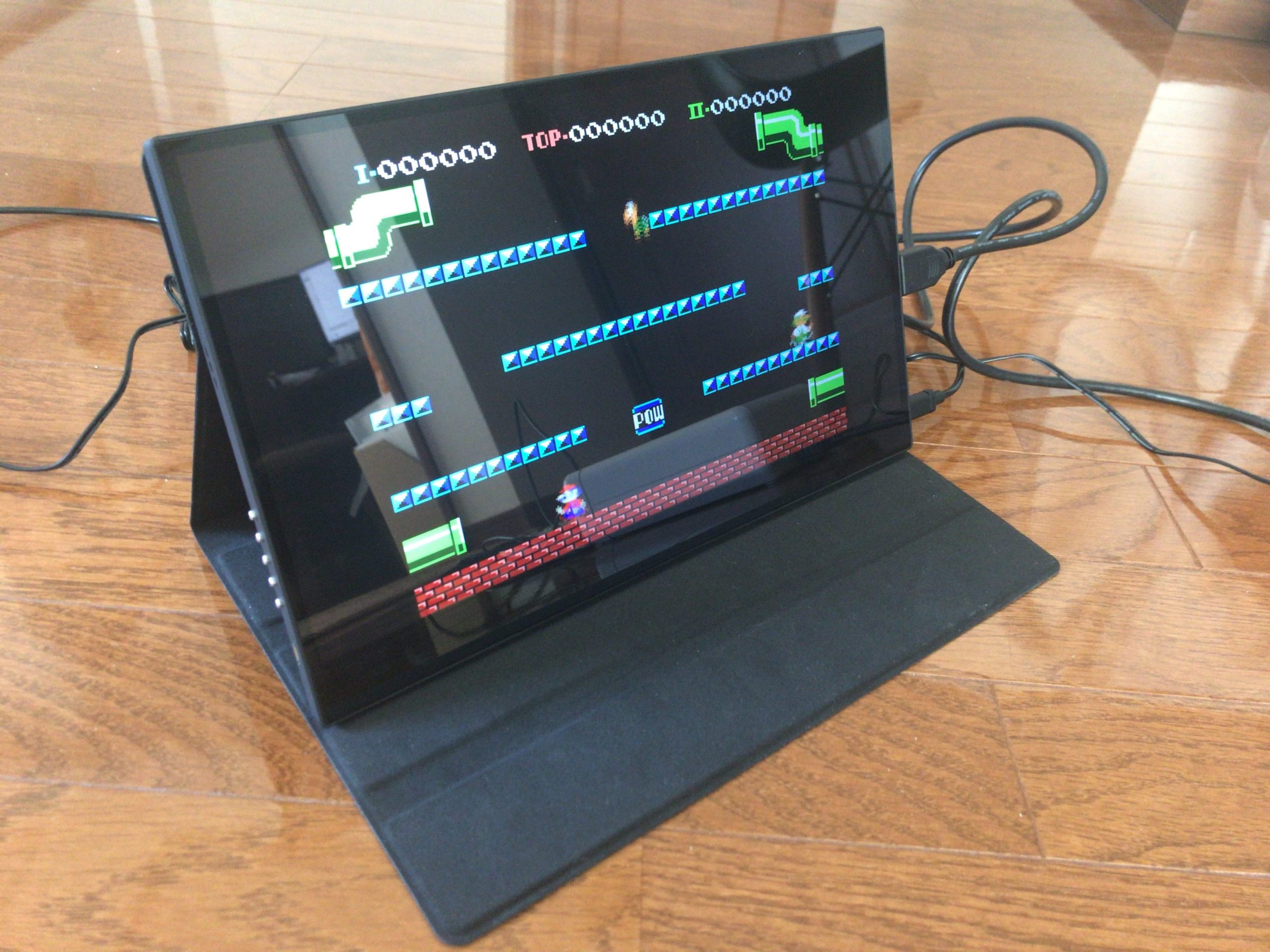 レトロフリークに接続しているモバイルモニター